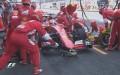 Vettel ai box